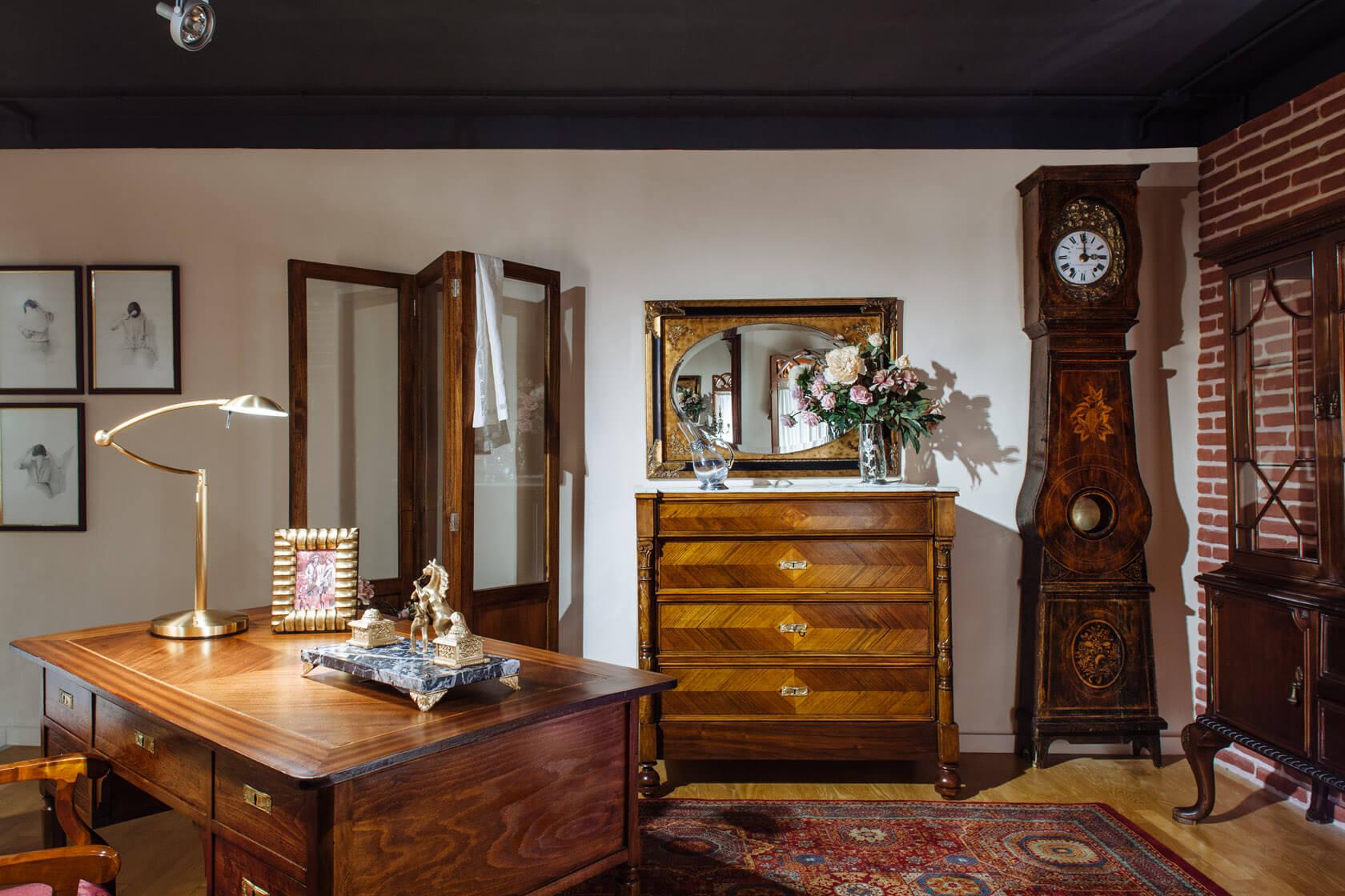 mobles rústics a l'exposició de mobles güell