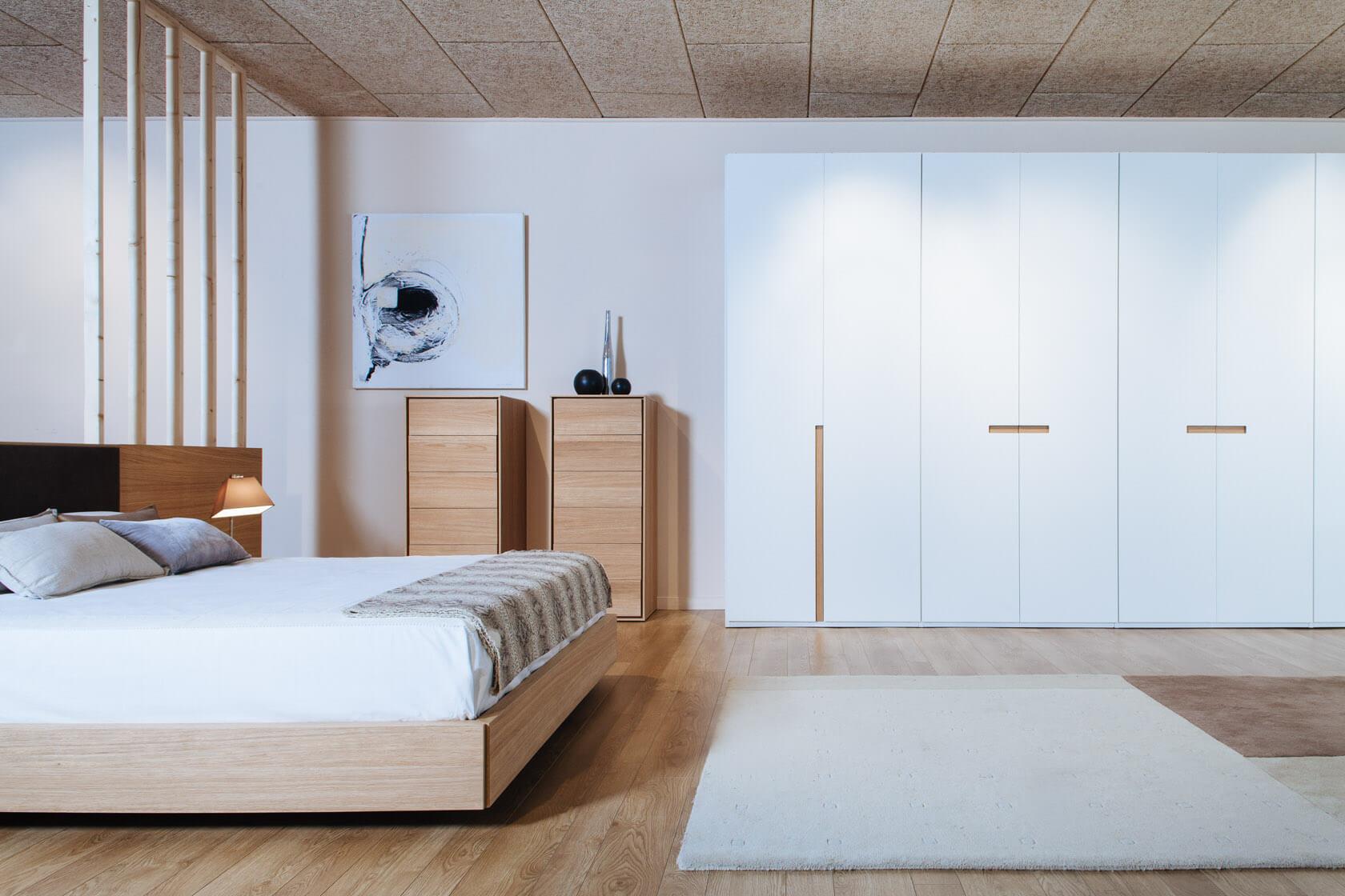col·lecció de mobles moderns de mobles guell