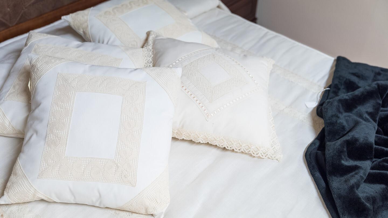 Mobles de descans i relax. Llits, matalassos, sofàs, butaques