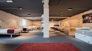 Exposición de muebles de descanso y relax de Mobles güell en Masllorenç (Tarragona)