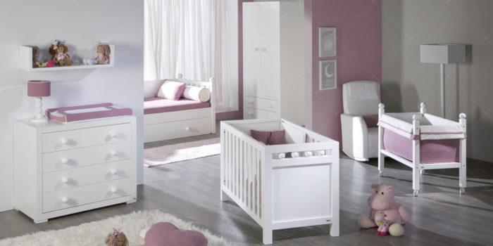 imatge bressol i decoració habitació nadons amb mobles trebol