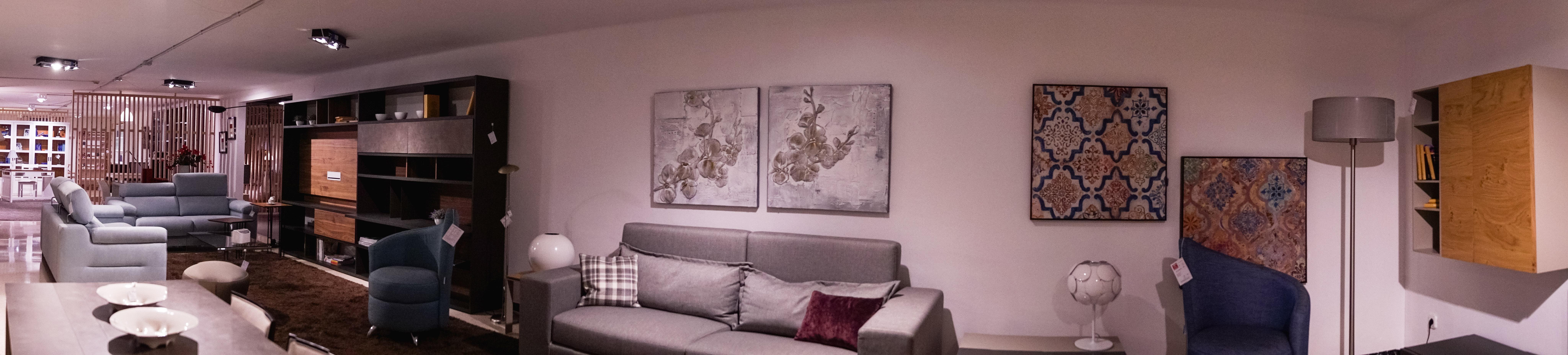 imatge de l'exposició de mobles güell