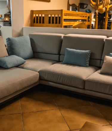 Sofà chaise longue gris