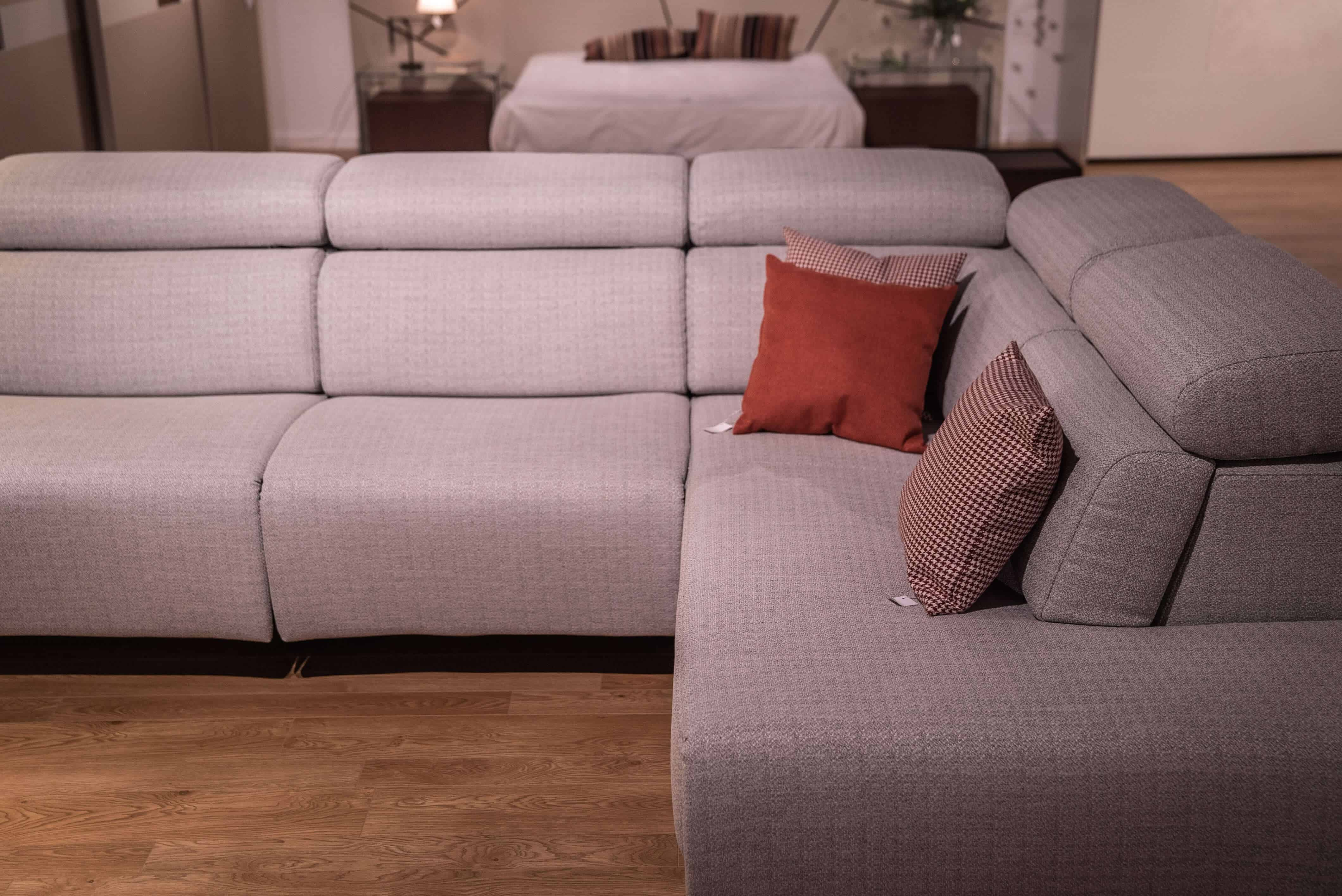 sofà amb chaselong
