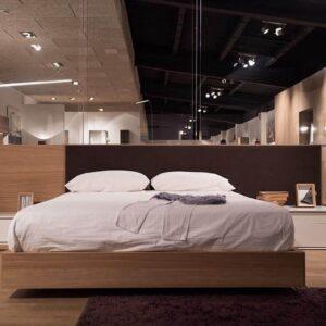 Dormitorio de madera lacado blanco