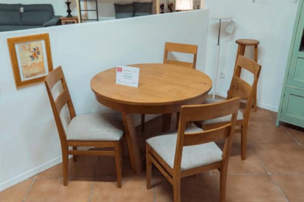 Taula Teka + 4 cadires   Mobles Güell
