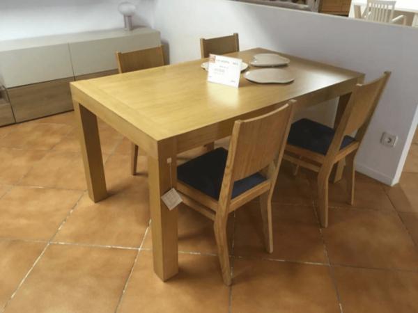 Conjunt de taula i cadires de fusta | Mobles Güell