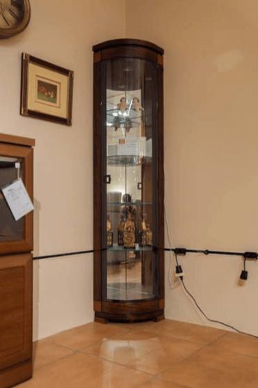 Vitrina raconera de fusta | Mobles Güell