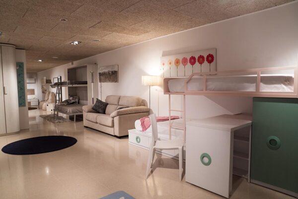 Composició d'habitació juvenil   Mobles Güell