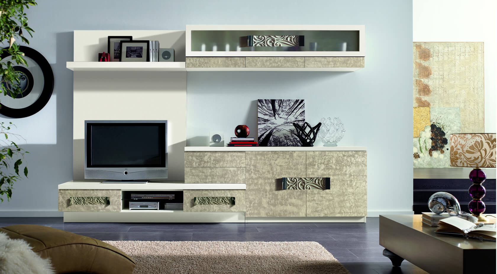 Llas | Marques de mobles de Mobles Güell